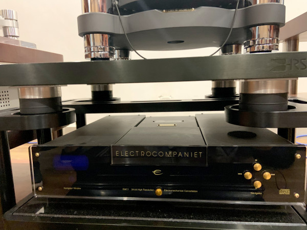 PLM Pneumatic Levelling Mounts for perfect sound